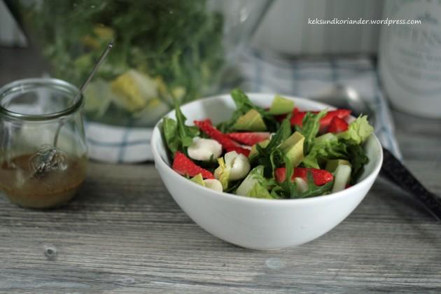 Sommersalat mit Erdbeeren2