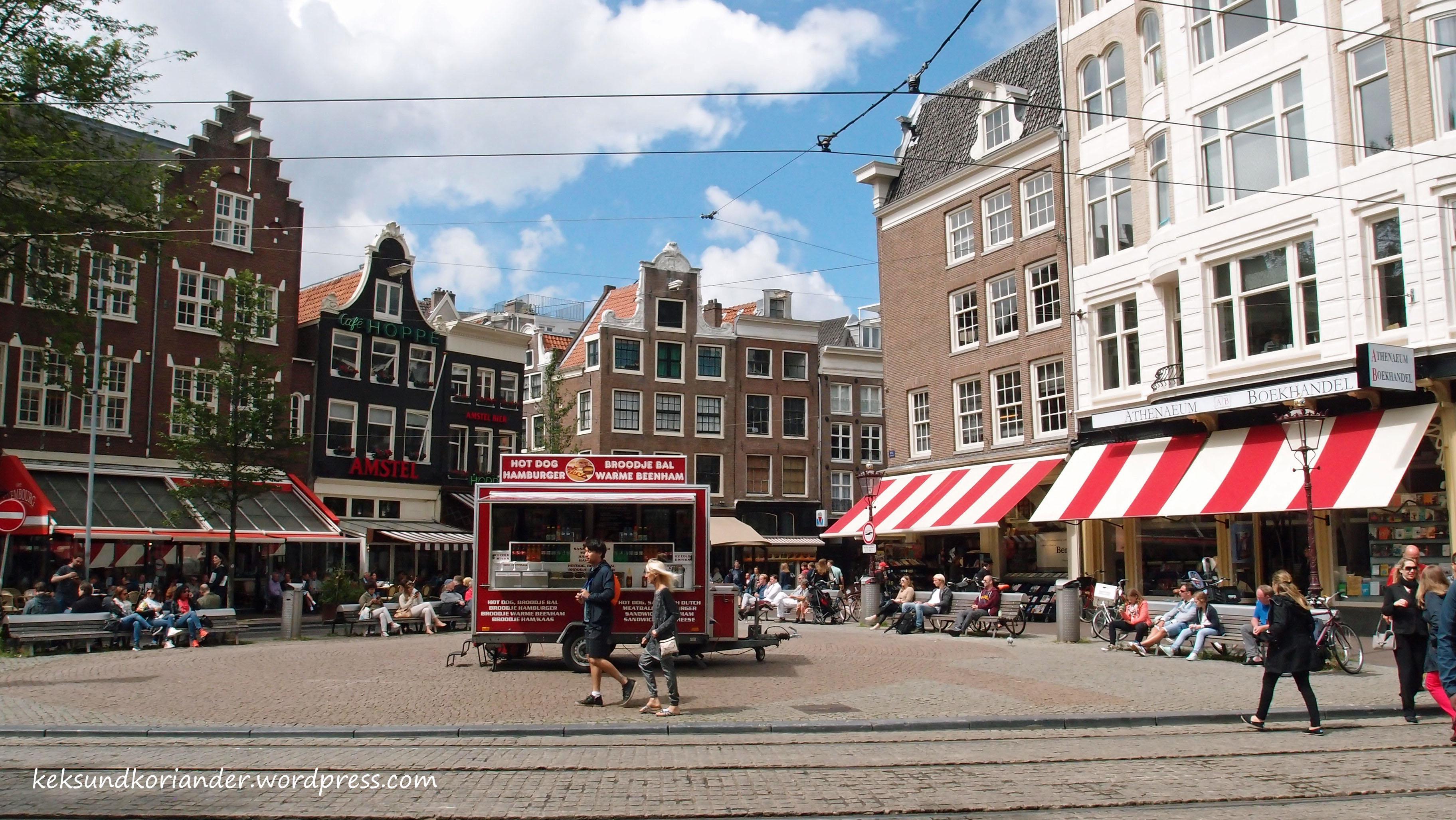 Amsterdam Damrak Hotdogstand