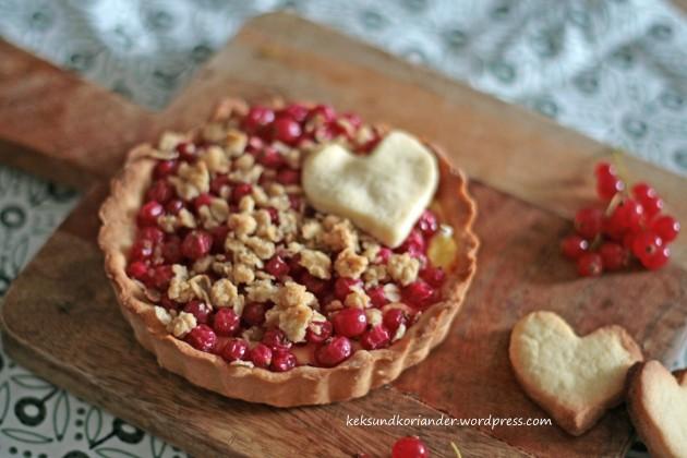 Johannisbeertarte mit pudding und streuseln3