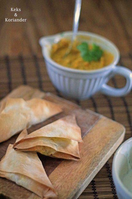 Samosas mit vegetarischer Füllung Süßkartoffel, Karotte, Paprika 3