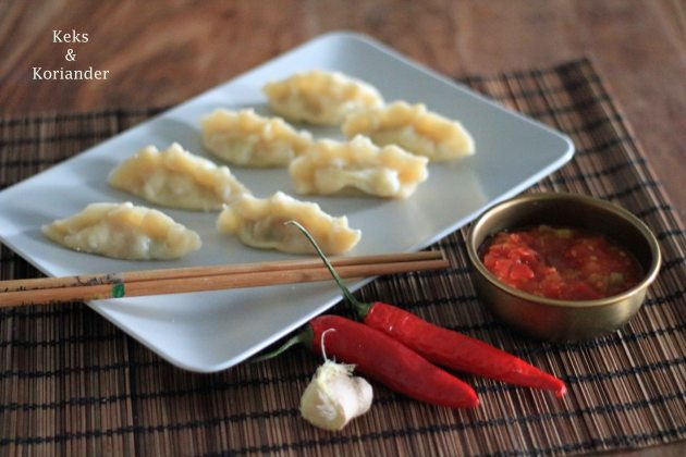 Nepalesische Teigtaschen Momos vegetarisch Tomatenchutney2