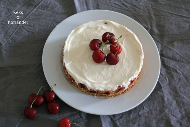 No Bake Cheesecake mit griechischem Joghurt und Kirschen 4