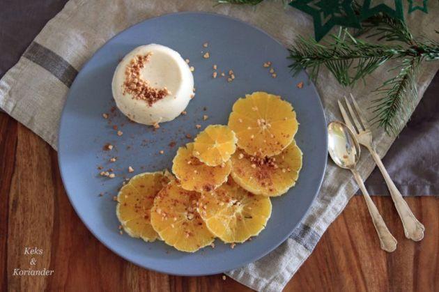 weihnachtliches-panna-cotta-mit-orangen-und-haselnusskrokant