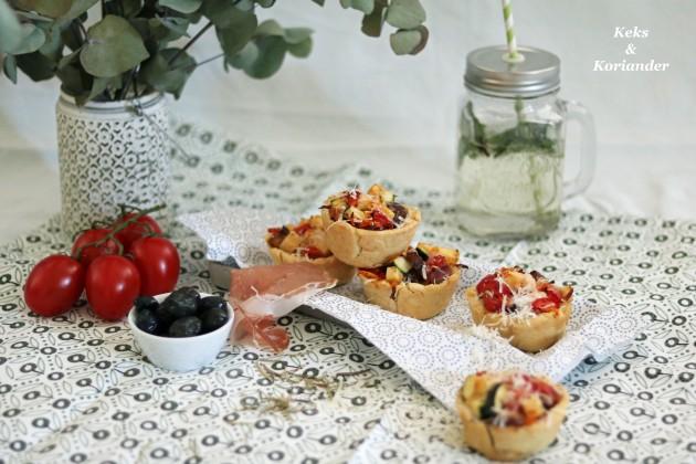 Mürbeteig-Muffins mit Ratatuille Füllung, Prosciutto und Parmesan 3